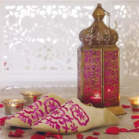 la lanterne marocaine l incontournable de la d coration orientale jasmine and co. Black Bedroom Furniture Sets. Home Design Ideas