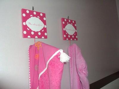 Bienvenue chez oum zahra chambre de fille chocolat et rose jasmine and co diy et tuto de - Porte manteau chambre fille ...