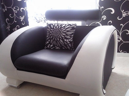 Canap design noir et blanc cuir jasmine and co - Salon cuir noir et blanc ...