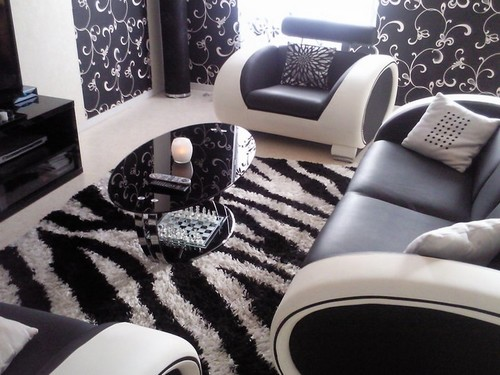Un salon tout noir et blanc jasmine and co Salon noir blanc violet