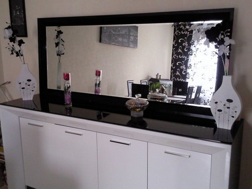 Un salon tout noir et blanc jasmine and co diy et tuto for Deco bahut
