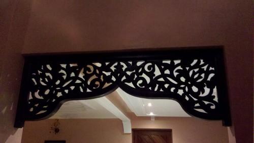 décoration bois salon marocain