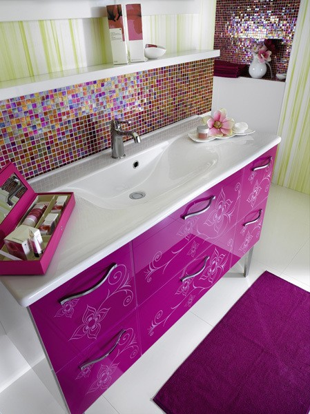 Salle De Bain Decoration Marocaine : Pink and Purple Bathroom Wall Tiles