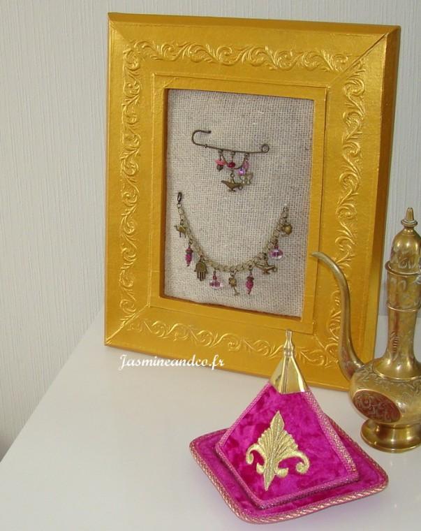 Diy fabriquer un pr sentoir bijoux jasmine and co - Fabriquer un presentoir a bijoux ...