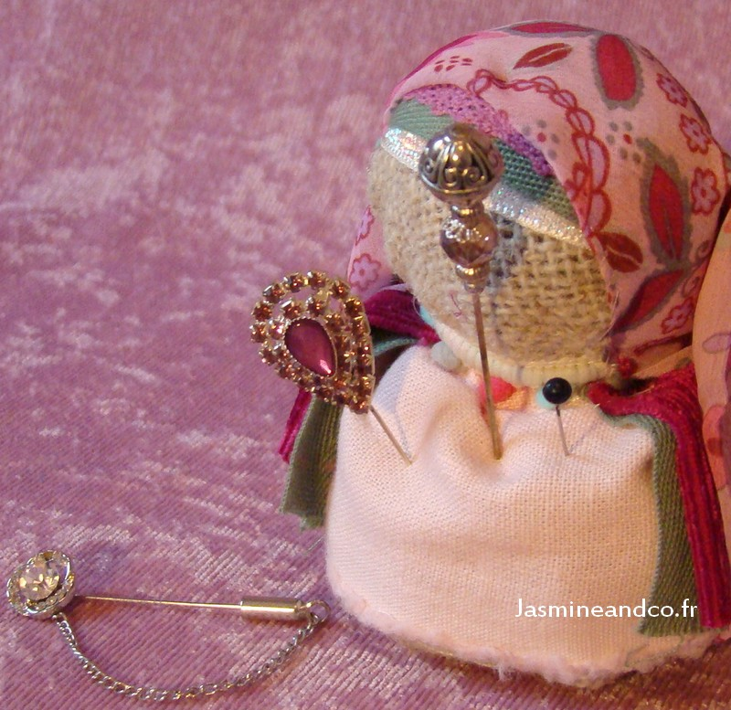 hijab pin holder