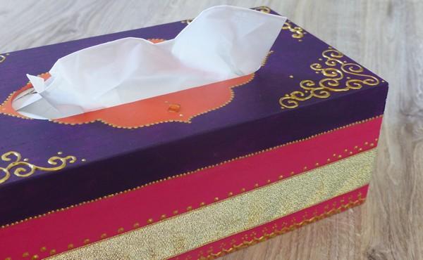 boîte à mouchoir orientale