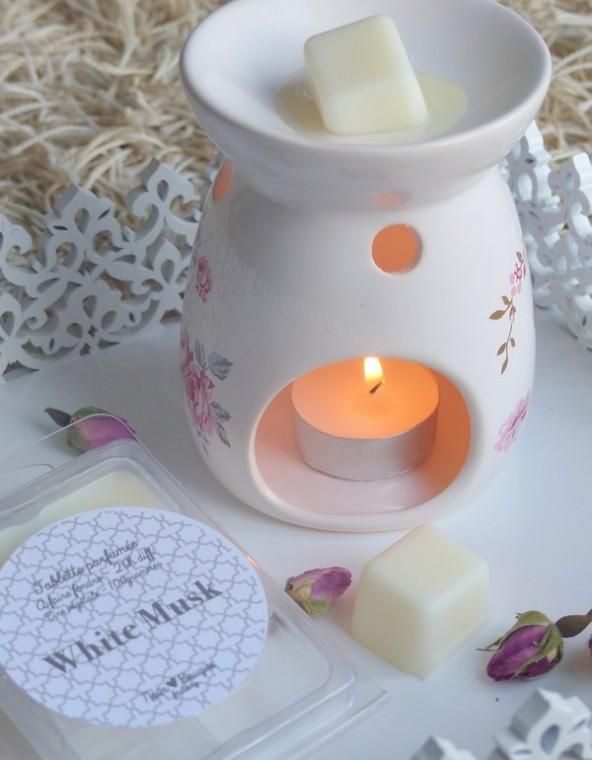 nour bougies ma bougie senteur orientale jasmine and co diy et tuto de d coration. Black Bedroom Furniture Sets. Home Design Ideas