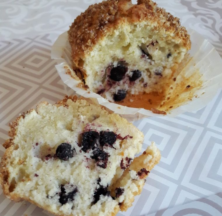 Muffins crumble myrtille et noisette